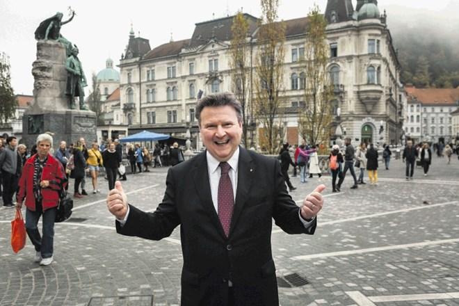 Vídeňský starosta Michael Ludwig oznámil, že každá vídeňská domácnost brzy obdrží voucher na návštěvu restaurace nebo kavárny