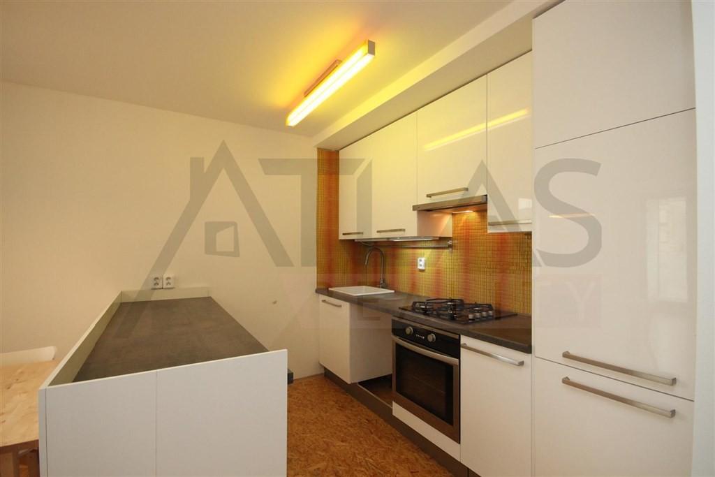 Prodej bytu 1+kk, 41 m² Praha - Košíře, Plzeňská