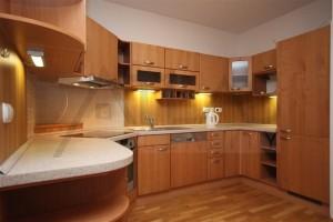 kuchyň - Pronájem bytu 2+kk, 66 m2, Praha 6 - Vokovice, Tibetská