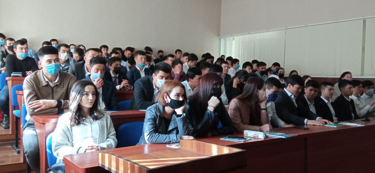 Studenti NUUz - na akademii veřejné správy