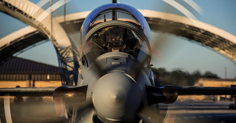 Burkina Faso Super Tucano provádí první společné letecké operace s francouzskými tryskami Mirage 2000