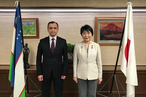 Velvyslanec Uzbekistánu se setkal s ministrem spravedlnosti Japonska